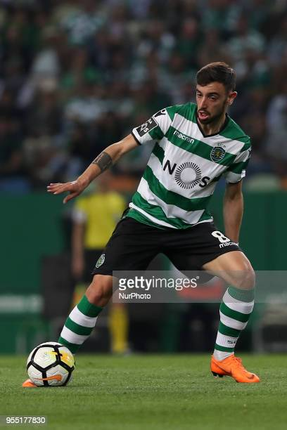 Sporting's midfielder Bruno Fernandes from Portugal in action during the Primeira Liga football match Sporting CP vs SL Benfica at the Alvadade...