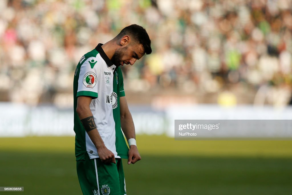 Sporting's midfielder Bruno Fernandes reacts after losing the Portugal Cup Final football match CD Aves vs Sporting CP at the Jamor stadium in Oeiras, outskirts of Lisbon on May 20, 2018.