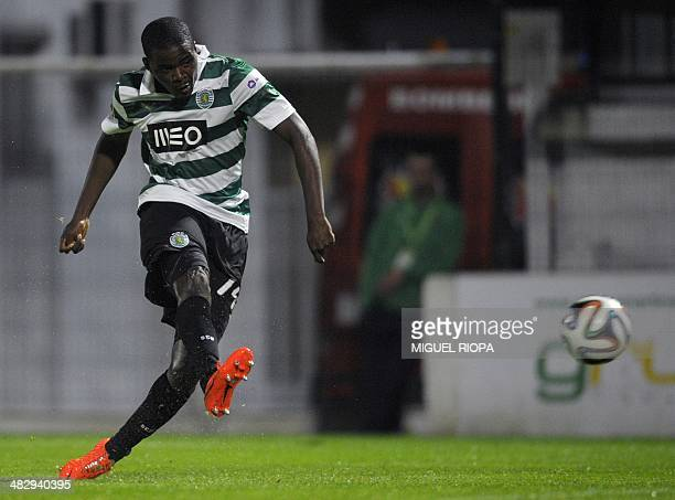 Sporting's midfielder William Carvalho scores during the Portuguese league football match FC Pacos de Ferreira vs Sporting CP at the Mata Real...