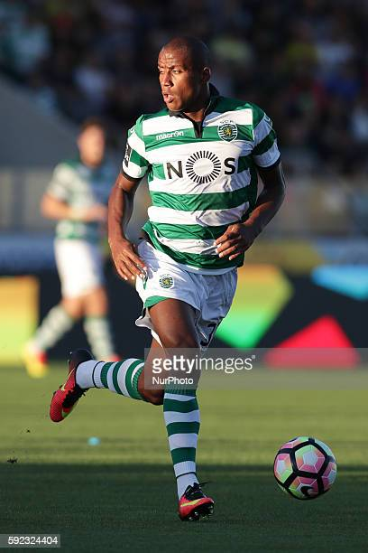 Sporting's Netherlands defender Marvin Zeegelaar in action during the Premier League 2016/17 match between Pacos Ferreira v Sporting CP at Mata Real...