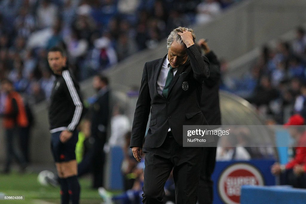 Sporting's Portuguese coach Jorge Jesus reacts during the Premier League 2015/16 match between FC Porto and Sporting CP, at Drag��o Stadium in Porto on April 30, 2016.