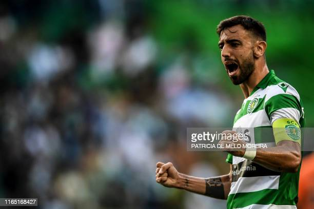 Sporting's Portuguese midfielder Bruno Fernandes celebrates after scoring during the Portuguese League football match between Sporting CP and Rio Ave...