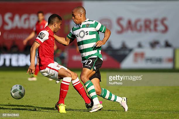 Sporting's Portuguese midfielder Jo��o M��rio in action with Braga's Brazilian defender Marcelo Goiano during the Premier League 2015/16 match...