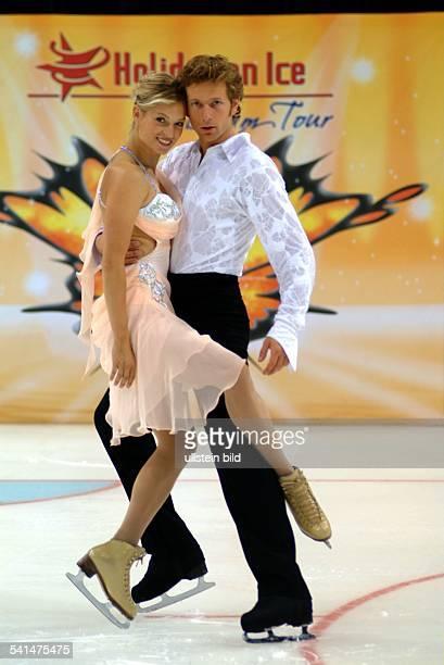 Sportler Eiskunstlauf Eistanz Din Aktion mit Partnerin Kati Winkler bei der Eisrevue Holiday on Ice