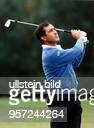 Sportler Golf Spanien bei einem Abschlag während der 8. German Masters am Motzener See, die er gewann.