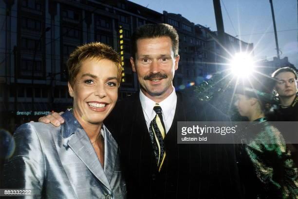 Sportlerin Leichtathletik D zusammen mit Freund und Trainer Thomas Springstein bei einer Veranstaltung in Berlin 2000