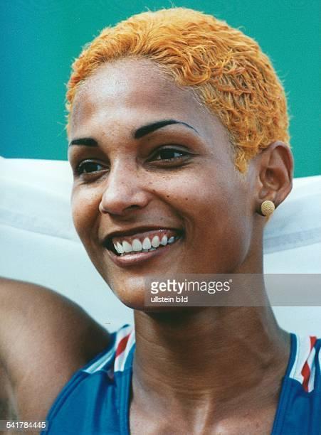 Sportlerin Leichtathletik FrankreichPorträt mit goldgefärbten Haaren