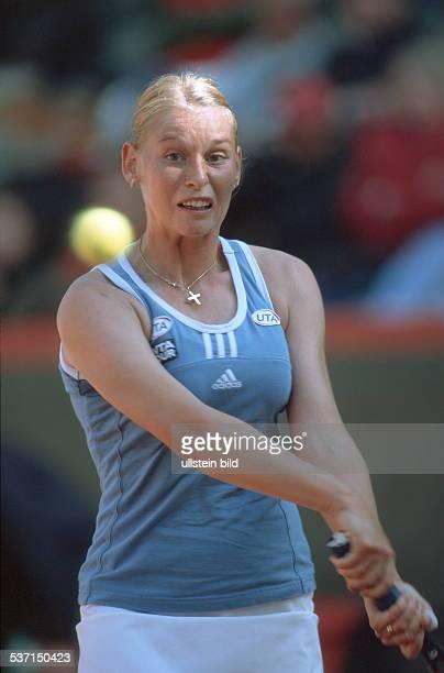 Sportlerin, Tennis Österreich, Halbfigur im Spiel: Aktion, - April 1999