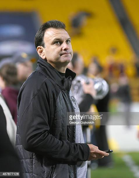 Sports agent Drew Rosenhaus looks on from the sideline before a National Football League game between the Houston Texans and Pittsburgh Steelers at...