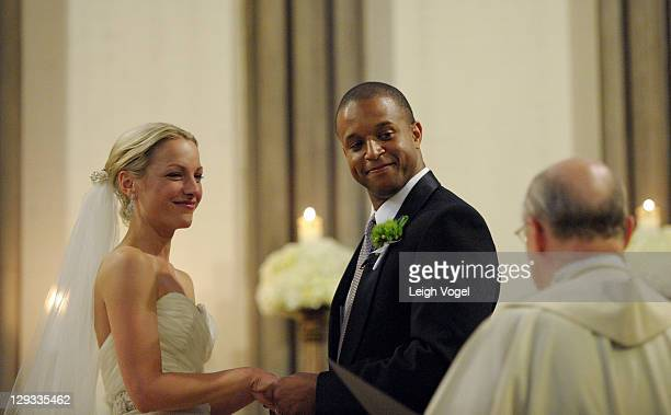 ESPN sports anchor Lindsay Czarniak and MSNBC anchor and NBC News correspondent Craig Melvin get married on October 15 2011 in Washington DC