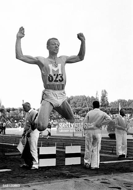 Sports, athletics, German Championships in Athletics 1965 in Duisburg, Wedau Stadium, nowadays MSV Arena, triple jump, men, Michael Sauer of USC...