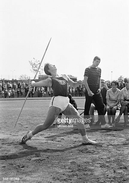 sports Athletics sports meeting 1965 in GelsenkirchenBuer javelin throw women Anneliese Gerhards of Turnverein Lobberich DGelsenkirchen...