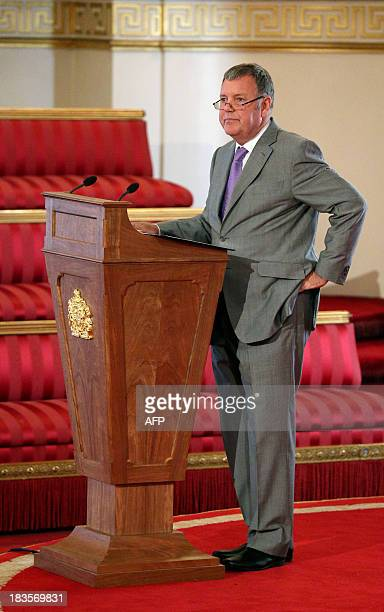 Sports commentator Clive Tyldesley addresses an audience in the Ballroom of Buckingham Palace at an event prior to a football match to mark the...