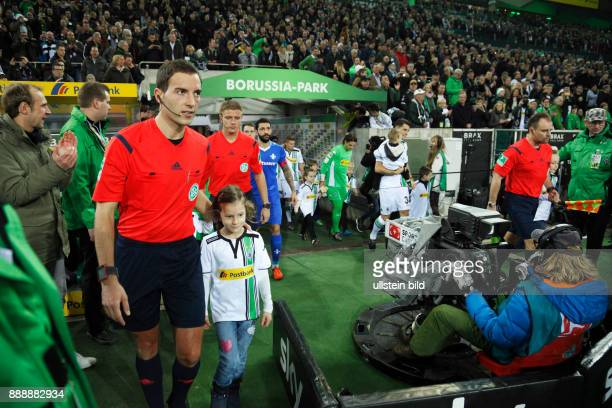 sports football Bundesliga 2015/2016 Borussia Moenchengladbach versus SV Darmstadt 98 32 Stadium Borussia Park runningin of the teams match officials...