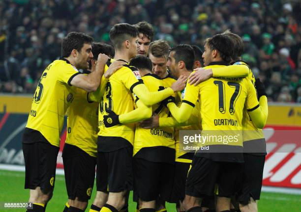 sports football Bundesliga 2015/2016 Borussia Moenchengladbach versus Borussia Dortmund 13 Stadium Borussia Park rejoicing at the 02 fltr Sokratis...