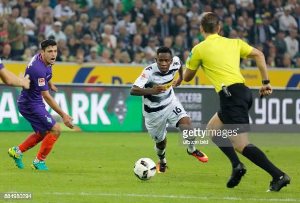 sports football Bundesliga 2016/2017 Borussia Moenchengladbach versus SV Werder Bremen 41 Stadium Borussia Park scene of the match fltr Zlatko...