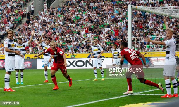 sports football Bundesliga 2016/2017 Borussia Moenchengladbach versus Bayer 04 Leverkusen 21 Stadium Borussia Park rejoicing Leverkusen at the 11...
