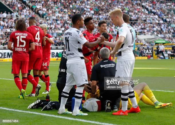 sports football Bundesliga 2016/2017 Borussia Moenchengladbach versus Bayer 04 Leverkusen 21 Stadium Borussia Park Timeout fltr Julian Baumgartlinger...