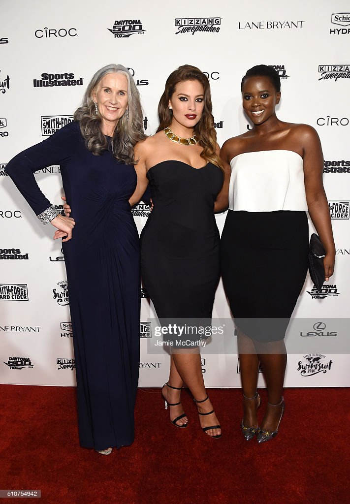 Sports Illustrated cover model Ashley Graham (C) poses with model Nicola Griffin and Philomena Kwao at the Sports Illustrated Swimsuit 2016 - NYC VIP press event on February 16, 2016 in New York City.
