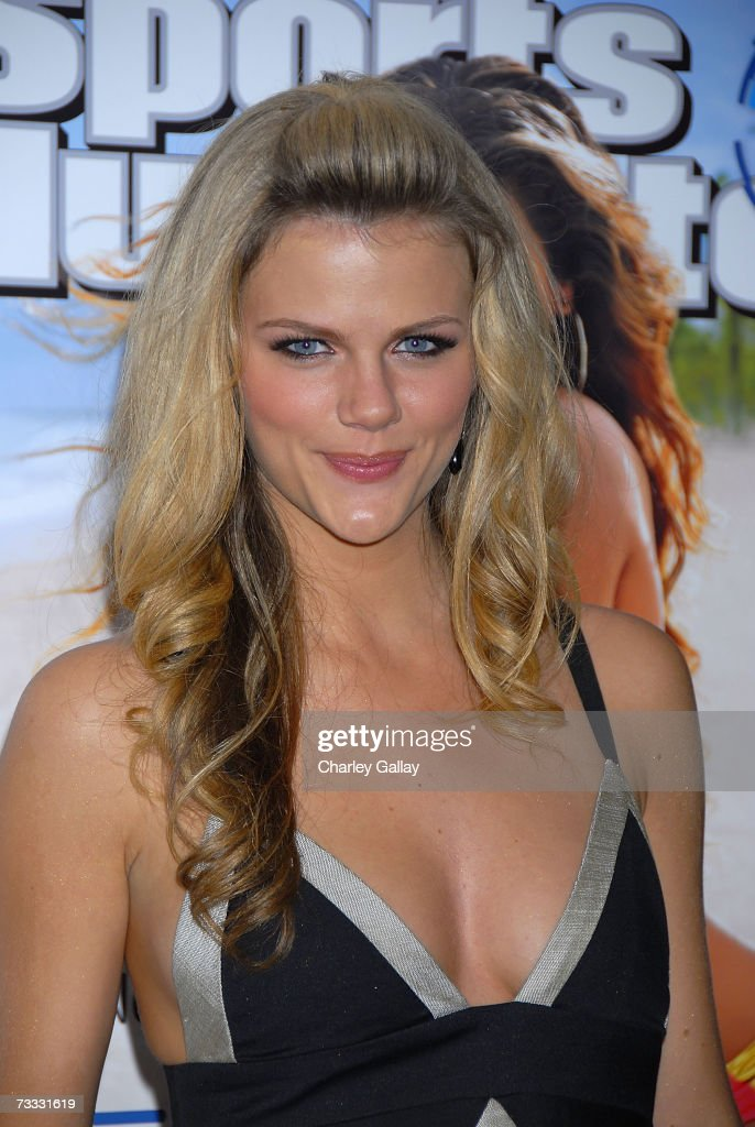 Sports Illustrated Swimsuit Issue model Brooklyn Decker arrives at a reception celebrating the 2007 Sports Illustrated Swimsuit Issue in which singer Beyonce Knowles appears on the cover at the Pacific Design Center on February 14, 2007 in Los Angeles, California.