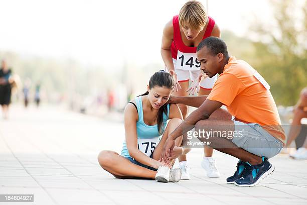 sports injury - sprain stock pictures, royalty-free photos & images