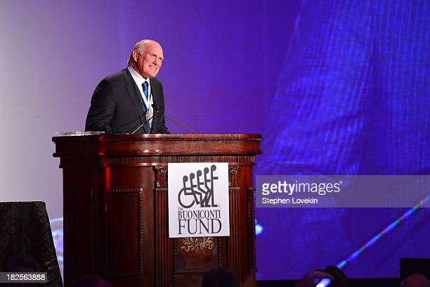 Sports Legend and former NFL player Terry Bradshaw speaks onstage at the 28th Annual Great Sports Legends Dinner to Benefit The Buoniconti Fund To...