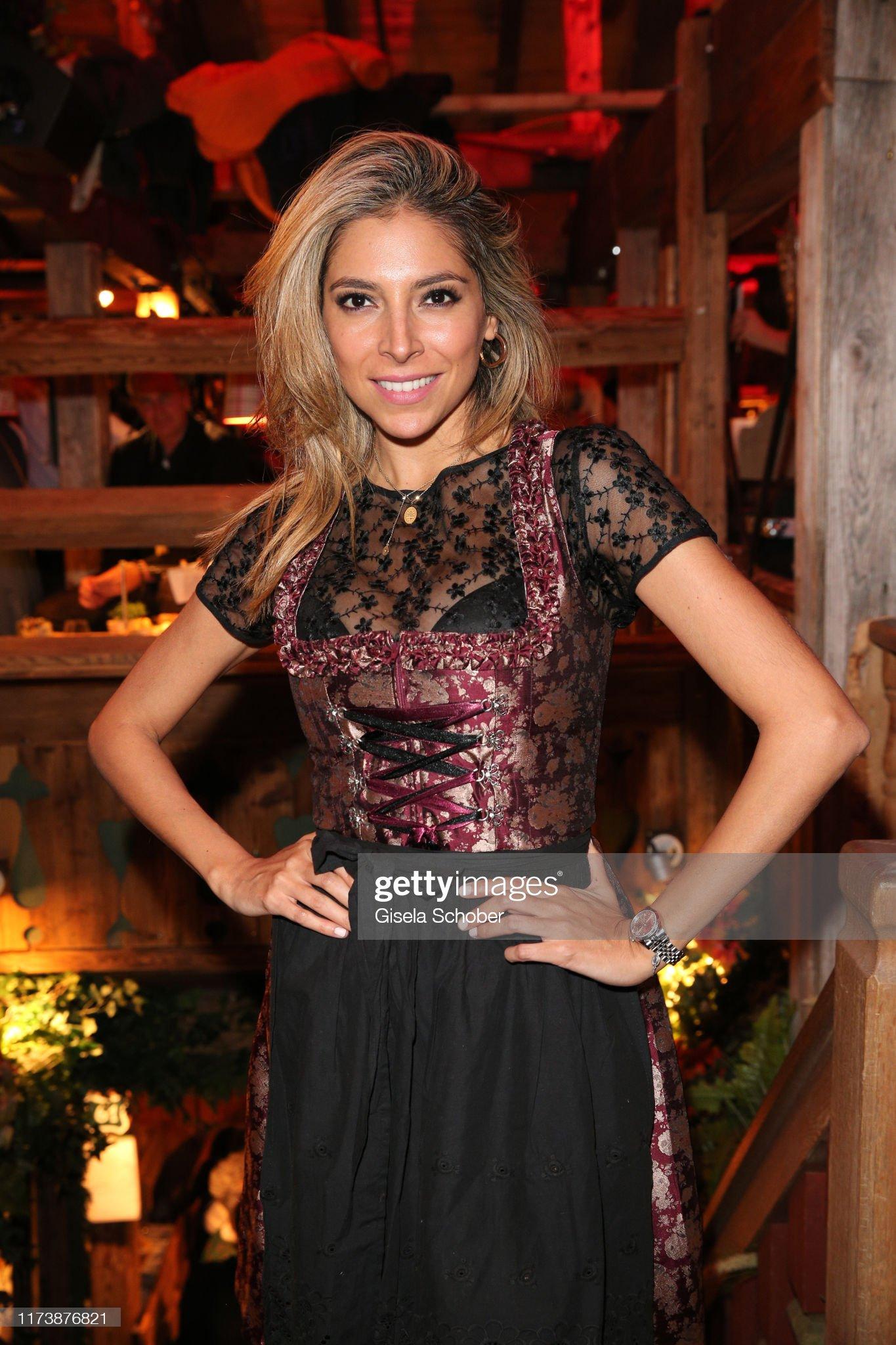 ¿Cuánto mide Eva Marcela Rodríguez? - Altura Sports-moderator-eva-marcela-rodriguez-during-the-oktoberfest-2019-at-picture-id1173876821?s=2048x2048