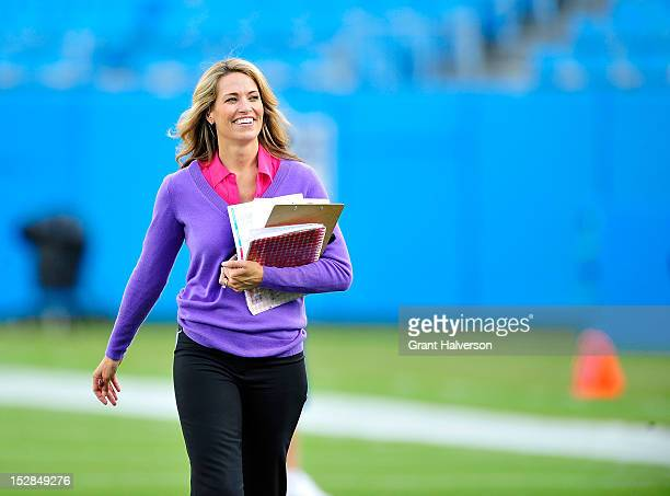 Sports NFL sideline reporter Alex Flanagan before a game between the New York Giants and the Carolina Panthers at Bank of America Stadium on...