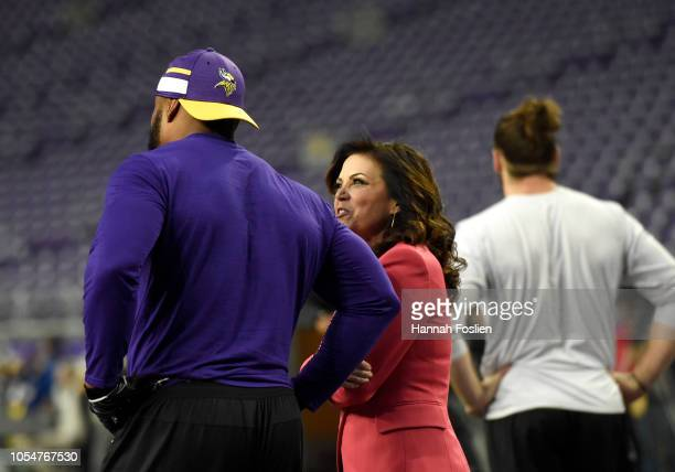 Sports sideline reporter Michele Tafoya speaks with Everson Griffen of the Minnesota Vikings before the game against the New Orleans Saints at US...