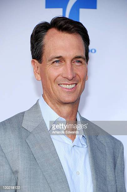 Sportscaster Cris Collinsworth arrives at the Cable Show 2010 featuring an evening with NBC Universal at Universal Studios Hollywood on May 12 2010...
