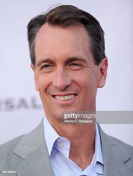 Sportscaster Cris Collinsworth arrives at The Cable Show 2010 'An Evening With NBC Universal' on May 12 2010 in Universal City California