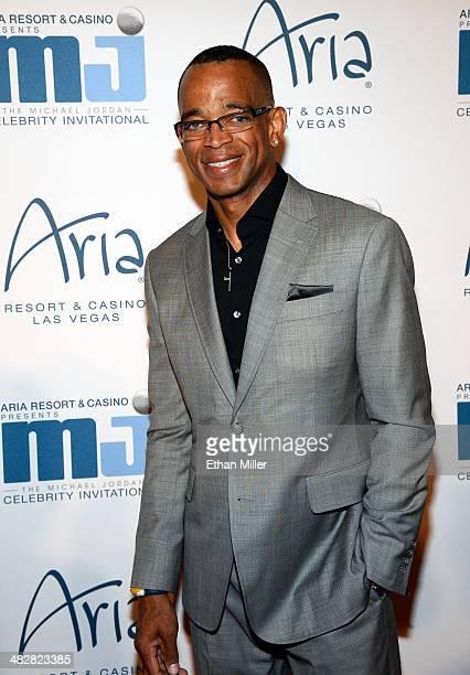 Sportscaster Stuart Scott arrives at the 13th annual Michael Jordan Celebrity Invitational gala at the ARIA Resort & Casino at CityCenter on April 4,...