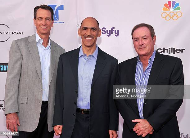 Sportscasters Cris Collinsworth Tony Dungy and Al Michaels arrive at The Cable Show 2010 An Evening With NBC Universal on May 12 2010 in Universal...