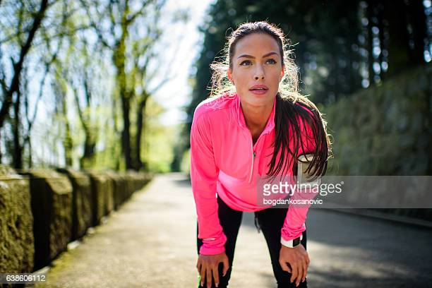 fare jogging donna che ama gli sport all'