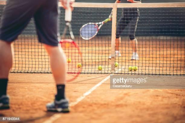 Sportvrouw opleiding Tennis met Tennis instructie