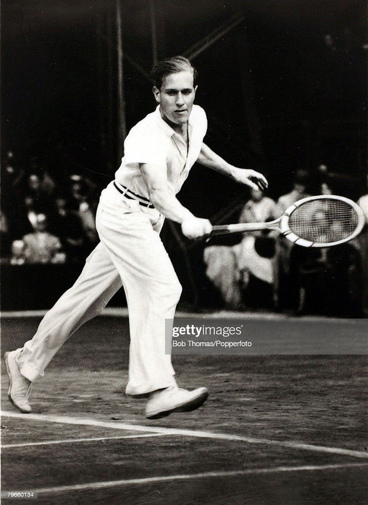 Sport/Tennis, circa 1935, Baron Gottfried Von Cramm, a German nobleman who won the French Open Tennis Mens Singles title in 1934 and 1936, He is pictured on Wimbledon's Centre Court where he had the misfortune to be runner-up in the Mens Singles on 3 occa : News Photo