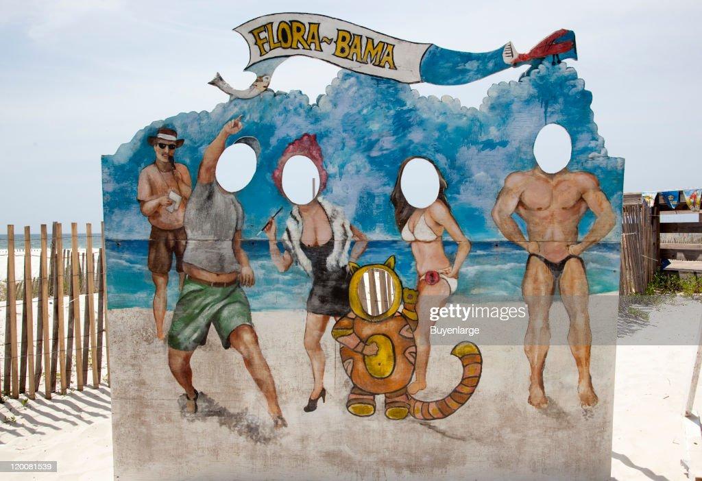 Photographer Beach Panel : News Photo