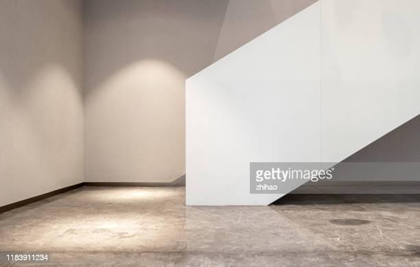 spot on the corner of the stairs - ancho fotografías e imágenes de stock