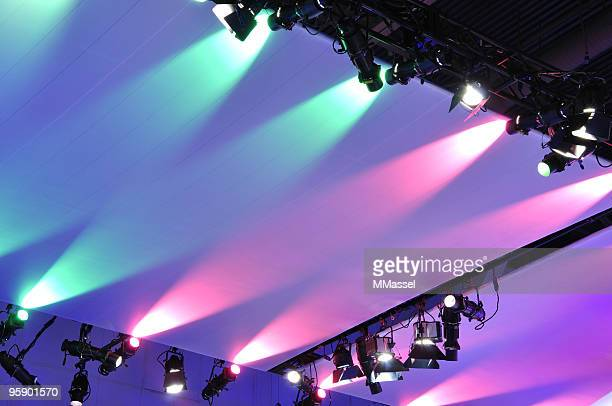 spotlights - tradeshow stock pictures, royalty-free photos & images