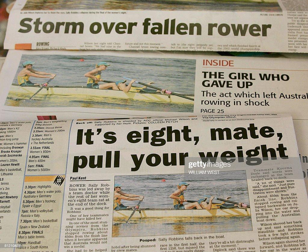 A spread of Australian newspapers highli : News Photo