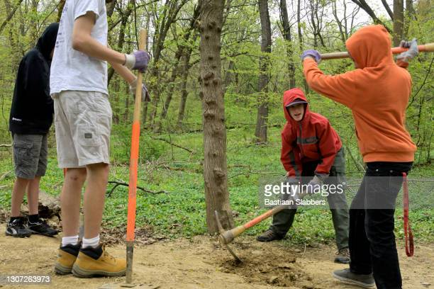 spring clean up day in philadelphia - basslabbers, bastiaan slabbers stock pictures, royalty-free photos & images