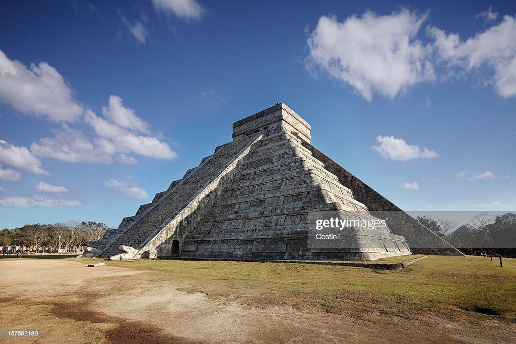 Spring Equinox en Chichenitza pyramid : Foto de stock
