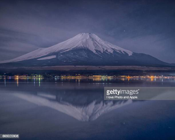 spring fuji view - 雪 stock pictures, royalty-free photos & images