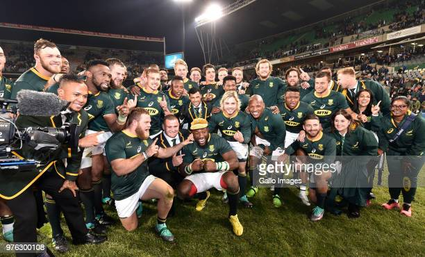 Springboks celebrate after winning during the 2018 Castle Lager Incoming Series match between South Africa and England at Toyota Stadium on June 16...