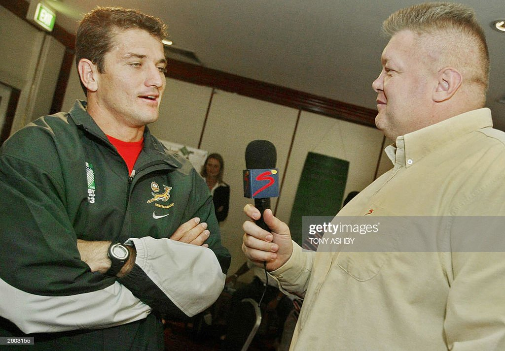 Springboks scrumhalf Joost van der Westh : News Photo