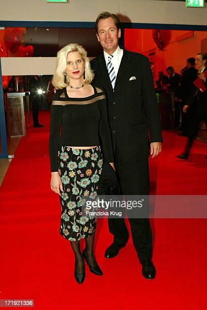 Springer Vorstand Mathias Döpfner und Ehefrau Ulrike Bei Ein Herz Für Kinder Gala In Berlin