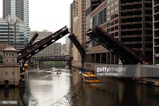 CONTENT] Springtime Chicago Bridge Lifts
