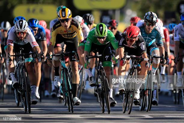 Sprint / Arrival / Caleb Ewan of Australia and Team Lotto Soudal / Sam Bennett of Ireland and Team Deceuninck QuickStep Green Points Jersey / Peter...