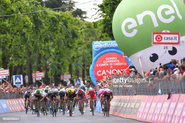 Sprint / Arrival / Elia Viviani of Italy and Team QuickStep Floors Purple Points Jersey / Sam Bennett of Ireland and Team BoraHansgrohe / Danny Van...