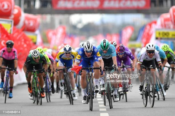 Sprint / Arrival / Fabio Jakobsen of Netherlands and Team Deceuninck - Quick-Step / Sam Bennett of Ireland and Team Bora-Hansgrohe Blue Leader Jersey...